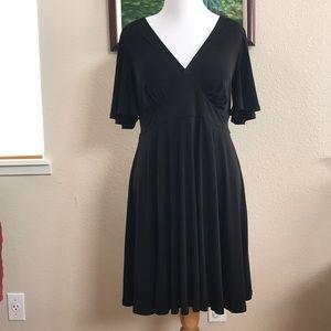 Torrid black v-neck short sleeve dress